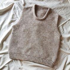 Loops vest – loops of liberty Knit Crochet, Crochet Tops, Crochet Clothes, Drop, Knit Vest, Costumes, Knitting, Creative, Liberty