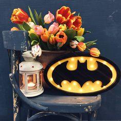 Ночник Светильник Бэтмен отлично дополнит интерьер детской для мальчика. Стильный дизайн и уютное решение для детской.