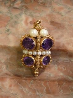 Pendentif en or, améthystes et perles, Italie, XIXe siècle