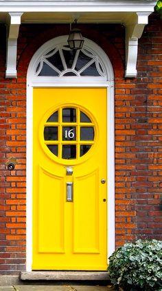 Paddington, London, England Bookcase Wall, Bookshelf Design, Wall Shelves, Cool Doors, Unique Doors, Portal, Floating Shelves Bathroom, Bathroom Storage, Painting Bathtub