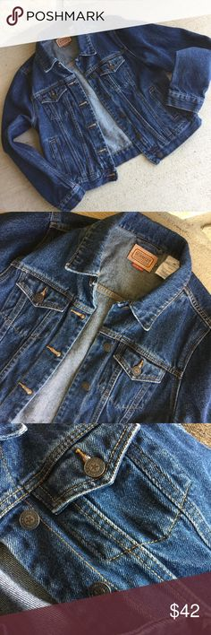 Women's Denim Jean Jacket Size Medium, Pockets EUC This is a wonderful Schmidt Workwear jean jacket in excellent used condition. The heavy denim is fairly dark, yet lightly distressed. Features pockets and brass buttons. Bundle with my other items for a discount and to save on shipping. I ship quick, Jackets & Coats Jean Jackets