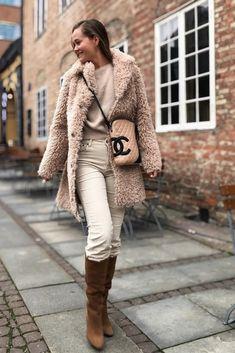 Curly Lammy Coat deguy.no Curly, Chic, Fashion, Style, Shabby Chic, Moda, Elegant, Fashion Styles, Fashion Illustrations
