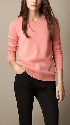 Shop from a year-round selection of Burberry women's knitwear, including sweaters and cardigans in wool and cashmere. Stylish Jeans Top, Stylish Tops For Women, Stylish Dresses For Girls, Stylish Dress Designs, Designs For Dresses, Winter Tops For Women, Casual College Outfits, Cute Casual Outfits, Stylish Outfits