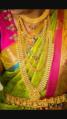 Bridal Jewellery Inspiration, Indian Bridal Jewelry Sets, Wedding Jewelry, Indian Jewelry, Gold Mangalsutra Designs, Gold Jewellery Design, Kerala Jewellery, Bridal Sarees South Indian, Gold Jewelry Simple