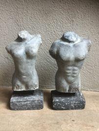 Mannen torso buste op betonnen voet hoogte 31 cm breedte 16 cm diepte 9 cm voet 14 x 9 cm prijs 23,95 euro stoer sober chique landelijk