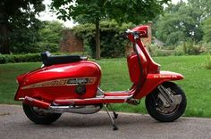 jubileescooters Retro Scooter, Lambretta Scooter, Vespa Scooters, Italian Scooter, Honda Cub, Cycling Quotes, Motor Scooters, Sidecar, Series 4