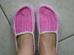 crochet and more by simo: CROCHETED SLIPPERS free pattern