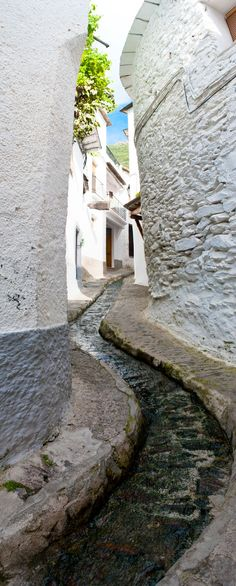 Un paseo por las acequias de Pampaneira. Vive Alpujarra