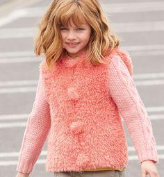 yarn girls :knitted fluffy vest -Modèle gilet à capuche Enfant - Modèles Enfant - Phildar