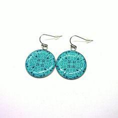 Boucles d'oreilles cabochons résine 25mm motif ethnique couleur bleue