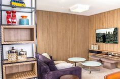 Sala de tv: Salas de estar modernas por Geraldo Brognoli Ludwich Arquitetura
