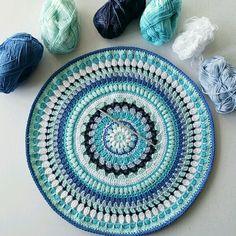 Ocean mandala Thread Crochet, Crochet Hooks, Knit Crochet, Crochet Blankets, Crochet Mandela, Mandala Yarn, Yarn Organization, Mini Quilts, Crochet Projects