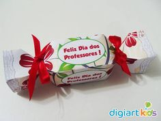 Caixa Bala Dia Dos Professores (vazia) Scrap, Gift Wrapping, Tags, Gifts, Quotes For Teachers, Recycling, Stationery Shop, Boxes, Packaging