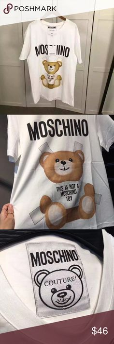 Oversized Moschino Teddy 🐻 in White 😍😍 Oversized version currently only XS available. Pls comment if you have any questions on sizing. 😘 Moschino Tops Tees - Short Sleeve