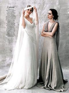 Vogue España especial Novias.     Rosa Esteva, el alma de Cortana junto con la modelo Aída que lleva un traje de novia con drapeado de tul sin costuras que realza la silueta.