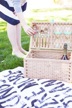 DIY Picnic Basket... I love picnics and DIY's and this is the perfect combination of the two (definitely need to do this in the summer)!