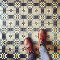 Lov this ceramic tile floor (and the desert boots too!)