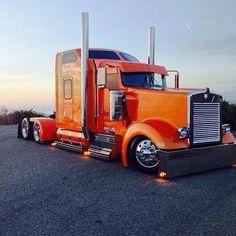 semitrckn:Custom Kenworth - US Trailer Repair. Big Rig Trucks, Show Trucks, Old Trucks, Custom Big Rigs, Custom Trucks, Pick Up, Ranger, 3 Bmw, Train Truck
