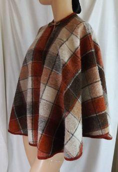 VTG round neck CAPE button Closure Wool med capelet trendy plaid neutral tones