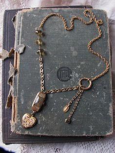 Antique locket and deco watch via Etsy. Simple Jewelry, Dainty Jewelry, Metal Jewelry, Crystal Jewelry, Jewelry Art, Vintage Jewelry, Jewelry Design, Jewelry Ideas, Handmade Jewelry