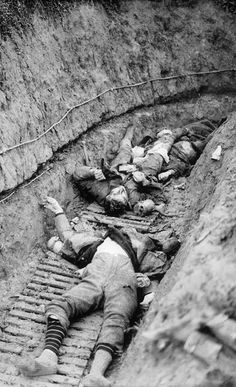 WWI, 23 Nov 1917; Killed German soldiers, in a trench at Flesquieres. Battle of Cambrai. © IWM (Q 6315)