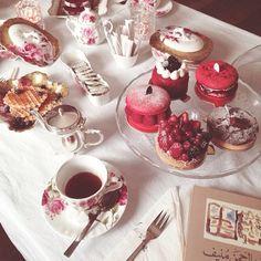 """""""afternoon tea with mom و لـِ الروح أشتياق يا أحاديث الشاي المعسولة ☕️…"""