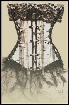 Corset card with lace