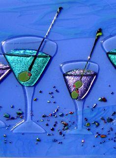 Image from https://designerglassmosaics.com/gallery/Panels-Martini-blue-close-u.jpg.