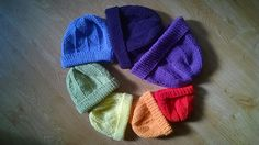 This downloadable .pdf file knitting pattern describes hats in seven sizes, from prem baby to adult size. Circumference 26cm (10 inches) up to 44cm (17 1/4 inches). These measurements are in an unstretched state, the largest size will fit up to 56 to 58cm head circumference.