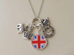 Best of British Charm Necklace UK Union Jack di JustKJewellery