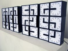 Digital + Analog = Dynamic Retro-Futuristic Clock Design