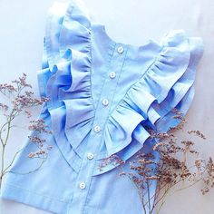 Baby Girl Dresses, Little Dresses, Baby Dress, Kids Outfits Girls, Girl Outfits, Baby Girl Fashion, Kids Fashion, Sewing Blouses, Frocks For Girls
