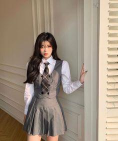 Korean Girl Fashion, Ulzzang Fashion, Kpop Fashion Outfits, Stage Outfits, Korean Outfits, Mode Outfits, Girl Outfits, Kawaii Fashion, Cute Fashion