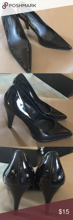 "Vera Wang Pumps. Perfect like new condition. Never worn, just tried on. Size 8 M, but run big, more like 8-1/2 wide. Full 4"" heel. Sturdy shoe. Vera Wang Shoes Heels"