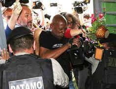 Pilantragem: Vídeo flagra candidata a vice-prefeita do PT quebrando um vaso na cabeça de um PM