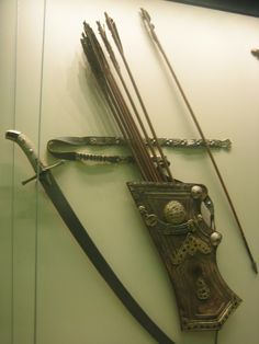 Katana Swords, Knives And Swords, Golden Horde, Bow Quiver, Medieval Weapons, Bow Arrows, Arm Armor, Chivalry, Medieval Fantasy