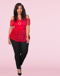 cee14f9a0b8 Finish off the look with a bold lip and black skinny jeans.   plussizefashion Girls