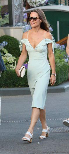 Pippa Middleton en robe vert pâle a éblouit Wimbledon.