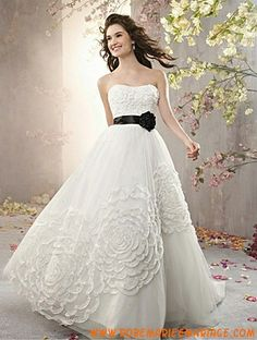 Robe de mariée princesse tulle fleur avec ceinture
