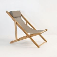 This incredible outdoor relaxing chair is a perfect example of the sling chair meeting the lounging chair, made with solid powder-coated aluminum and Sunbrella fabric.