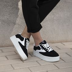 ¿Os han gustado las zapatillas Wavey de Mustang? Descubre todos los colores disponibles en Zapatos Mayka Enjoy the weekend! Adidas Sneakers, Shoes Sneakers, Flat Shapes, Looks Cool, Sock Shoes, Crochet Patterns For Beginners, Platform Sneakers, Fashion Shoes, Women's Fashion