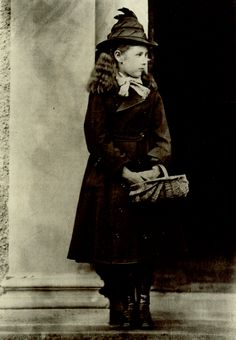Beatrix Potter at age 10, photographed by her father Rupert Potter, 1876. – © Frederick Warne Co