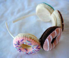 Cute Donut Headband Donut Tiara Felt Plush by LazyStitch on Etsy (Diy Birthday Tiara) Food Costumes, Diy Halloween Costumes, Cute Halloween, Halloween Treats, Halloween Decorations, Diy Donuts, Cute Donuts, Diy Headband, Ear Headbands
