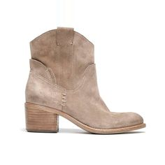 Rank & Style Top Ten Lists | Dolce Vita Graham Boots #rankandstyle