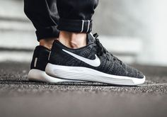 With the best sports trainers in your arsenal, all you have to worry about is progressing further and further into your sport. Basket Sport, Basket Nike, Sneakers Fashion, Fashion Shoes, Sneakers Nike, Men Fashion, Air Jordan, Nike London, Asics Tiger