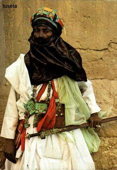 Africa   Tuareg man.  Timbuktu, Mali    Scanned postcard; dated 1983