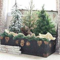 Our #DecorCrushSunday winner this week is Melissa @thevintagefig! Congratulations Melissa!! We loved her version of a little forest! It's so simple yet so unique! Check out Melissa's page for more beautiful inspiration. And thank you all for participating and for all of your gorgeous entries this week!  Merry Christmas!! 🌲❤🌲 @ellerydesigns @destrophoto @southernswagfarmhouse @sheleavesalittlesparkle @allrhodesleadhome @theglamfarmhouse @twineandvines @livinginyellow
