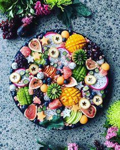 "20 k mentions J'aime, 151 commentaires - Best Of Vegan (@bestofvegan) sur Instagram : ""Fruit platter by @the_sunkissed_kitchen #bestofvegan"""