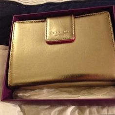 I just discovered this while shopping on Poshmark: KATE SPADE DEBRA POCKET AGENDA IN GOLD NWT. Check it out!  Size: OS