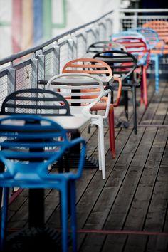 Galiane, meubles et mobilier design : chaises, fauteuils, tabourets de bar, tables mobilier pour bar restaurant  http://www.mobilier-hotel-bar-restaurant.com/fauteuil-salle-d-attente-cokka-f-p63.html